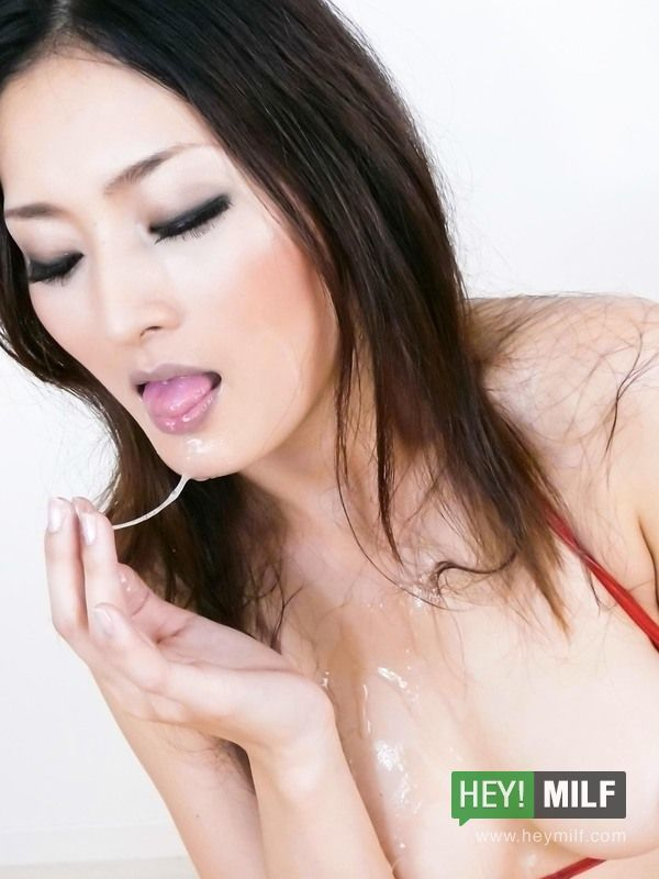 Arousing Risa Murakami Sucks Hard And Eats Sperm