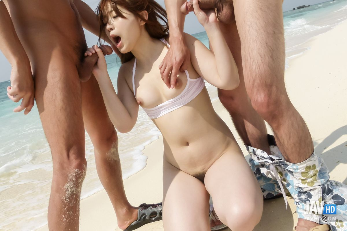 Mayuka Akimoto Gets Jizzed On Pussy In Outdoor Trio