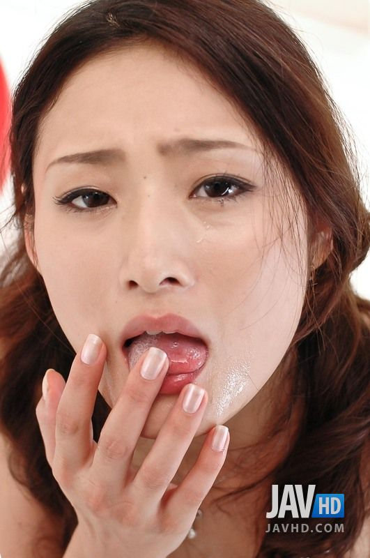 Sexy Secretary Risa Murakami Puts Down Her Thee And Sucks Dick